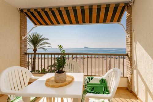. Apartamentos María Cristina Beach