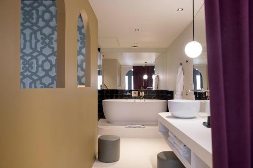 MiHotel Tour Rose - Hôtel - Lyon