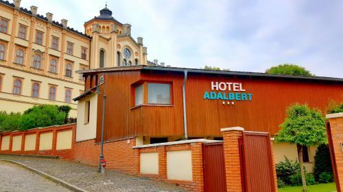 . Hotel Adalbert Szent György Ház