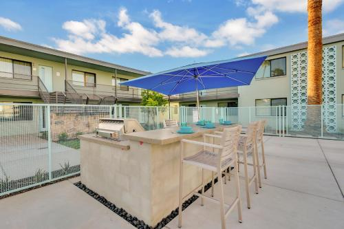 Modern Contemporary OT Scottsdale with Heated Pool