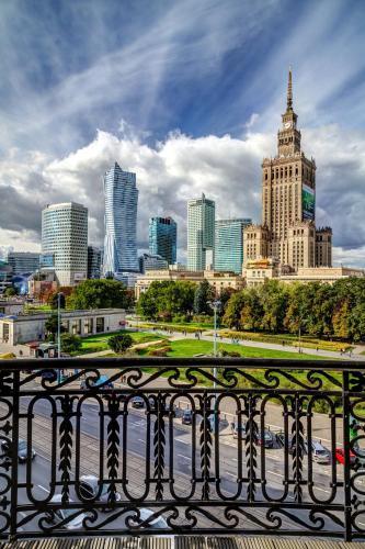 Al. Jerozolimskie 45, 00-692 Warsaw, Poland.