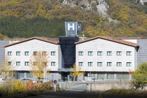 . Hotel Plazaola