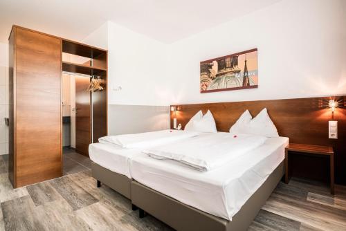 __{offers.Best_flights}__ Hotel Servus Europa Salzburg Am Walserberg