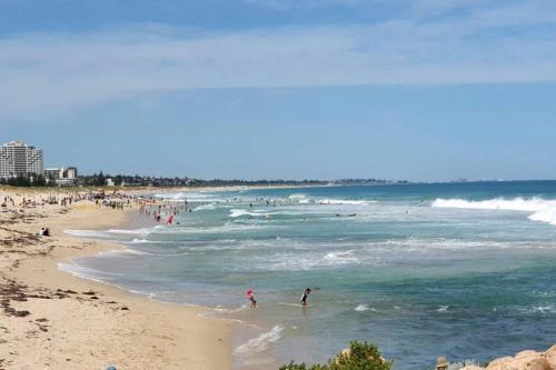 Scarborough Beach Front Resort - Shell Thirteen