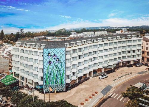 . Golf Valley Hotel