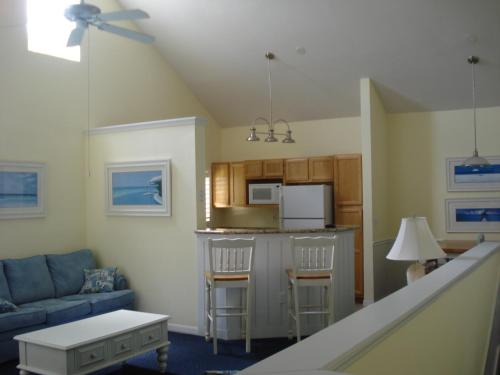 Runaway Beach Club Apartments - Kissimmee, FL 34746