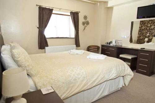 Hopley House Bed & Breakfast - Photo 3 of 19