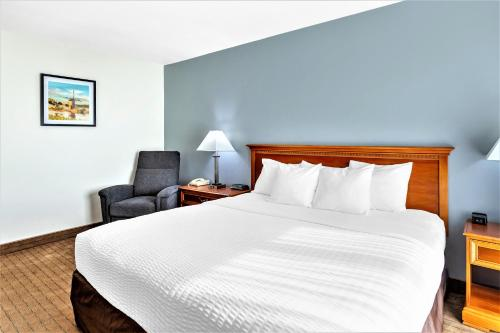 Clarion Inn Ontario - Hotel
