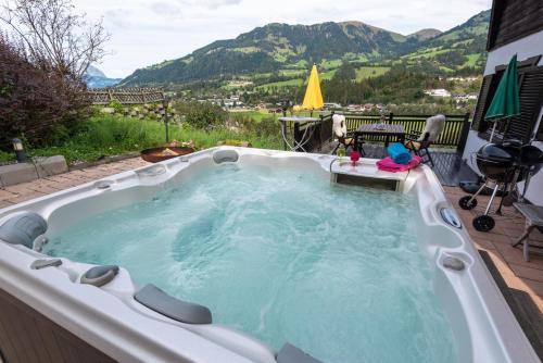 Moralodge chalet with hot tub - Chalet - Kitzbühel