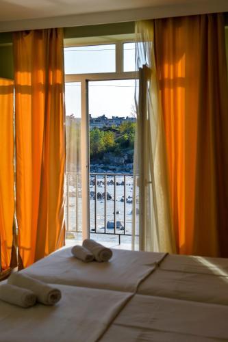 Four Seasons Riverside - Hotel - Kutaisi