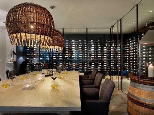 Фото отеля Dolomitengolf Suites