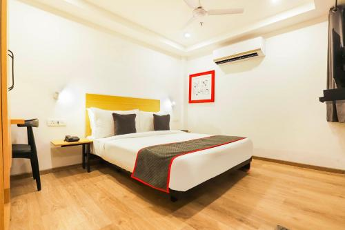Vaccinated Staff- Oyo Townhouse 331 Vat Hotels