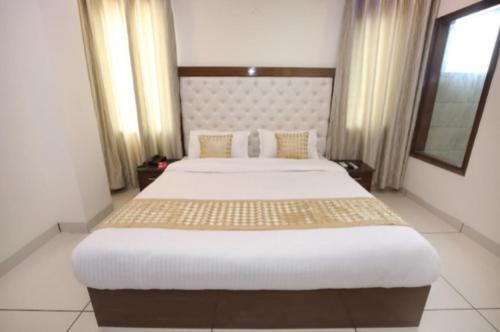 HOTEL SILVER PALM