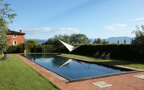 Guamo Villa Sleeps 12 Air Con WiFi - Accommodation - Guamo