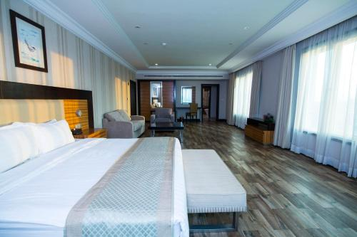 Hotel Rawda Suites hotel
