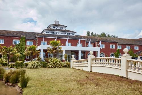 . Southview Park Hotel