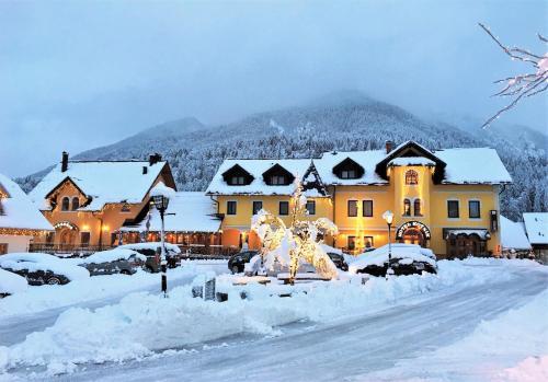 __{offers.Best_flights}__ Hotel Kotnik