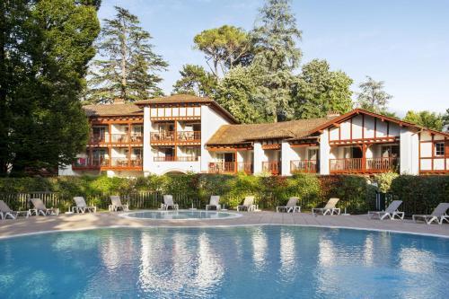 Résidence Pierre & Vacances Le Parc D'Arradoy - Accommodation - Uhart-Cize