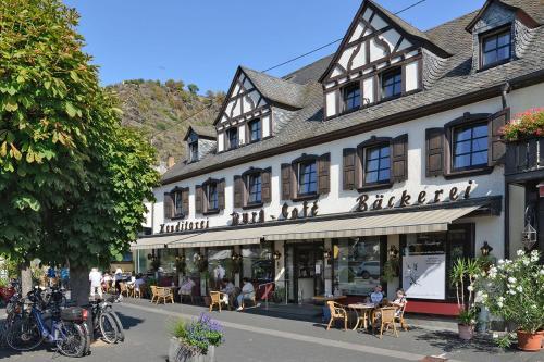 . Moselhotel Burg-Café
