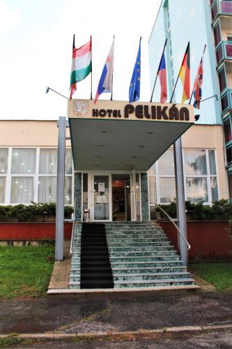 . Hotel Pelikán