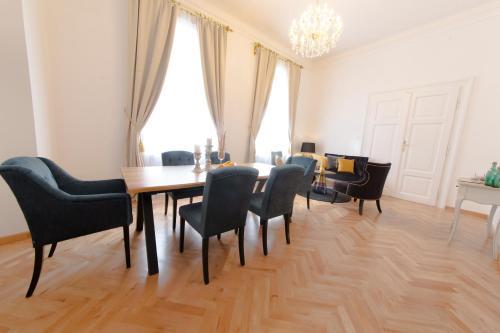 Palais Gutenberg la Ville - Apartment - Klagenfurt