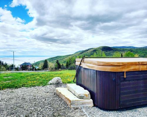 Maison Accueillante - Spa, fleuve et montagnes! - Chalet - Petite-Rivière-Saint-François