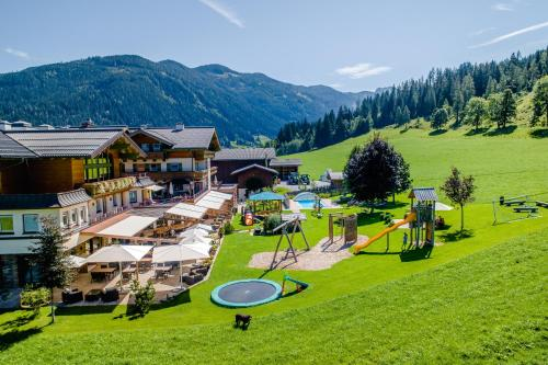 Hotel Taxerhof - Accommodation - Radstadt