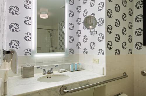 The Palmer House Hilton Двухместный номер Делюкс с 2 двуспальными кроватями