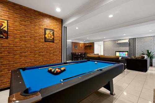 NEW! Fahrenheit Game Suite Pool Table (6-11 pax), Kuala Lumpur