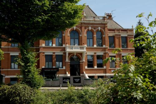 Trafford Hall Hotel, Bw Signature Collection By Best Western