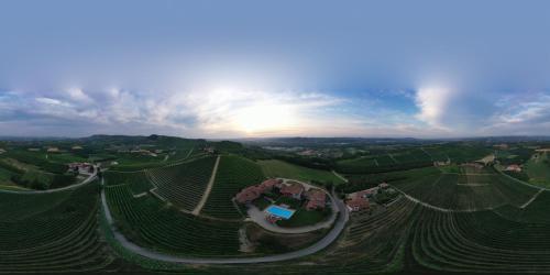 . Monvigliero Vineyard Villas