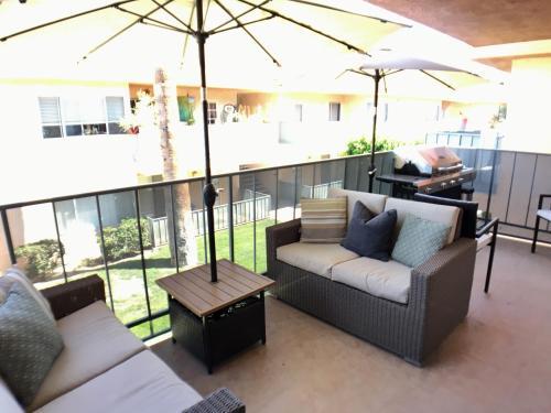 Palm Springs Sunrise Condo Main image 1