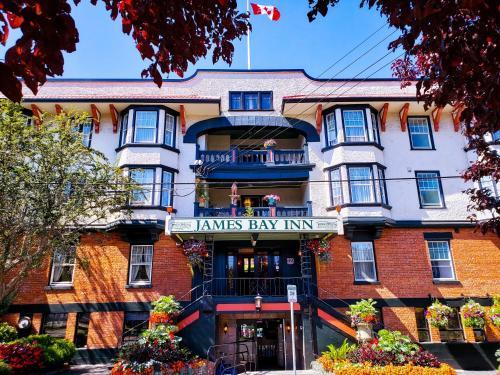 James Bay Inn Hotel Suites & Cottage
