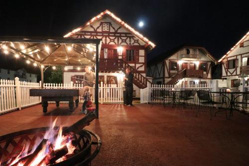 Alpine Village Inn - Hotel - Helen