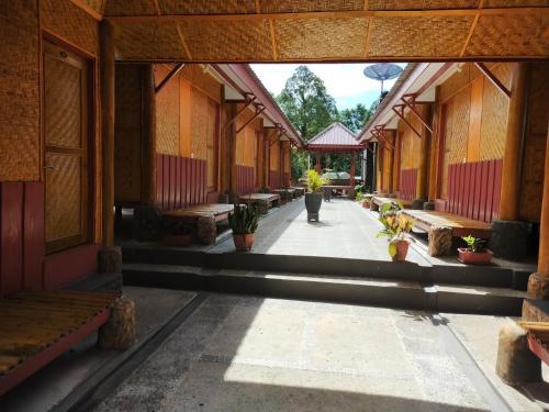 . Gosyen Efata Toraja Hotel