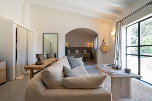 Suite con terraza Finca Serena, Small Luxury Hotels 9