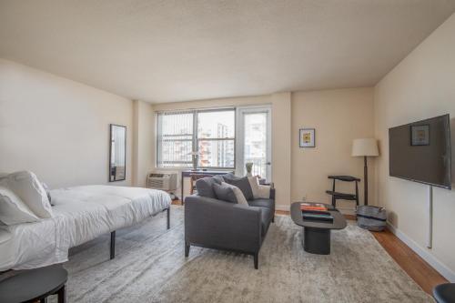 Cozy DT Studio with Balcony by Zencity - Apartment - Saint Louis