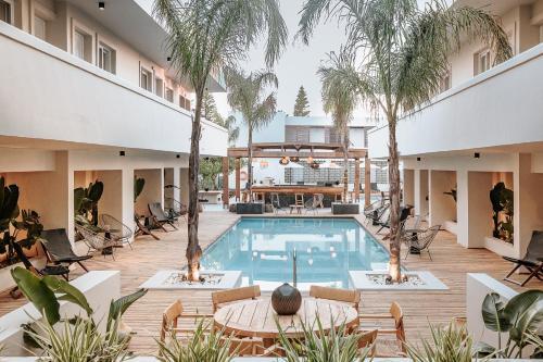 . More Meni Residence & Suites