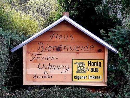 . Haus zur Bienenweide