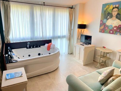 Deluxe Junior Suite Palacio Torre de Ruesga 5