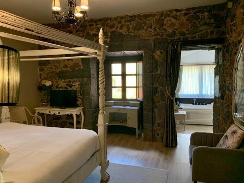 Deluxe Junior Suite Palacio Torre de Ruesga 7
