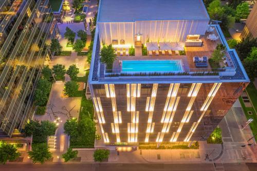 HALL Arts Hotel Dallas, Curio Collection by Hilton - Dallas