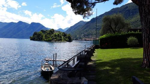 OSSUCCIO VILLA ON THE LAKE - Accommodation - Como