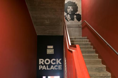 Sant Jordi Hostel Rock Palace photo 14