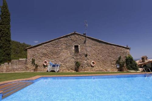 . Apartment with 3 bedrooms in Girona with shared pool and WiFi