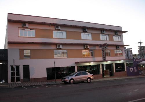 Hotel 15 de Julho (Photo from Booking.com)