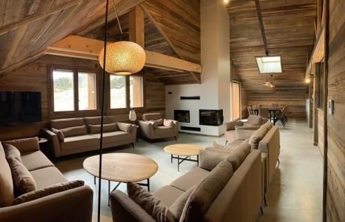 Chalet sur les pistes avec sauna et home cinéma - La Toussuire