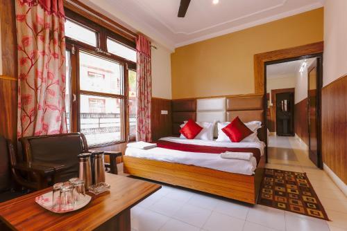 . Hotel Varuni