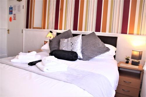 Serena Court Hotel - Photo 3 of 55