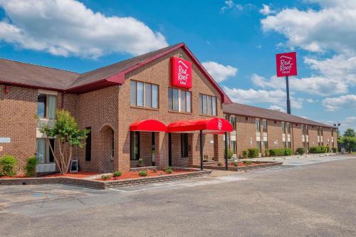 . Red Roof Inn Roanoke Rapids